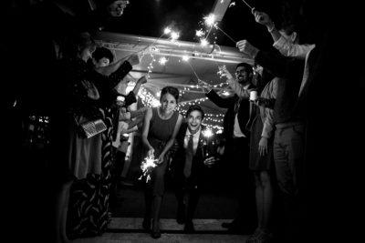 Menyasszony és Vőlegény esküvői fényképen