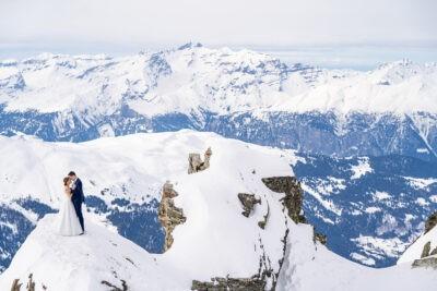 Kreatív fotózás Svájcban a havas hegyek felett